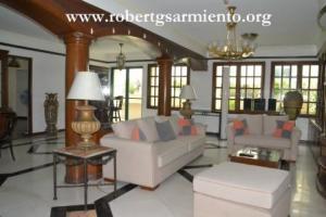renaissance 2000 - living room
